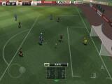 Bild: Der Ball rollt jetzt bei PES 2012 auch auf iOS-Geräten.