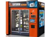 Bild: Am Düsseldorfer Flughafen steht der erste Saturn Verkaufsautomat.