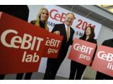 Bild: Ernst Raue, Mitglied des Vorstandes der Deutschen Messe AG, stellt das Konzept der CeBIT 2011 vor.