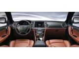 Bild: Der Fahrersitz fährt beim Verlassen und Verriegeln des Wagens automatisch nach vorne - und verhindert den Zugriff auf das Lenkrad.