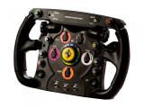 Bild: Dieses Gaming-Lenkrad ist dem Lenker des Ferrari 150° Italia nachempfunden.