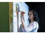 Bild: Durch das HP Pocket Whiteboard können Wände und Tafeln virtuell beschrieben werden.