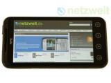 Bild: Das HTC Evo 3D gehört zu den ersten HTC-Modellen, die ein Update auf Android 4.0 erhalten werden.