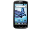 Bild: Das Motorola Atrix 2 bietet ein größeres Display.