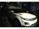 Bild: Der Range Rover Evoque kommt mit Dual View-Display und ist ab dem Spätsommer 2011 erhältlich. (Bild: netzwelt.de