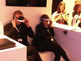 Bild: Sony HMZ-T1: Wer dieses Brille auf dem Kopf hat, kann sich über mangelnde Aufmerksamkeit nicht beklagen.