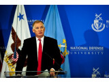 Bild: William Lynn bei seiner Rede an der NDU.