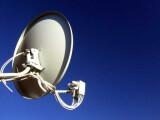 Bild: Das Ende der analogen Satellitenübertragung naht. Beim Gemeinschaftsanlagen kommt der Vermieter für die Umrüstungskosten an der Parabolantenne auf.