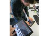 Bild: Mit Garageband 1.2 sind nun auch Jam Sessions mit mehreren iOS-Geräten möglich.