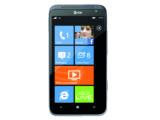 Bild: Das HTC Titan II bietet eine 16-Megapixel-Kamera und LTE-Unterstützung.