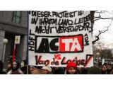 Bild: Vor Kurzem gingen in vielen deutschen Städten zehntausende Protestler gegen ACTA auf die Straßen.