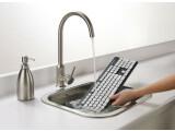 Bild: Der Logitech K310 kann Wasser nichts anhaben.