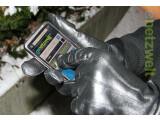 Bild: Netzwelt verrät wie Sie im Winter ihr Smartphone auch mit Handschuhen bedienen können.