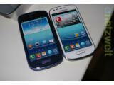 Bild: Samsung enthüllt in Frankfurt einen kleinen Bruder für das Galaxy S3. Das Galaxy S3 Mini wird es zunächst in den Farben Weiß und Blau.