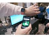 Bild: Die SmartWatch von Sony zeigt dem Nutzer unter anderem Social Media-Updates an.