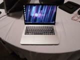 Bild: Es ist nicht ultradünn, dennoch gehört das HP Envy 14 Spectre zur Klasse der Ultrabooks.