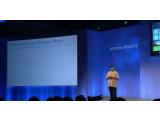 Bild: Windows Phone-Chef Joe Belfiore präsentiert das neue Windows Phone 8.