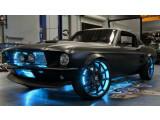 """Bild: Zusammen mit dem Autodesigner von """"Pimp my Ride"""" hat Microsoft den Ford Mustang mit der neusten Technik ausstattet."""