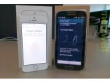 Bild: Das Apple iPhone 5s (links) lässt sich per Fingerabdruck entsperren, das Samsung Galaxy S4 (rechts) erlaubt das Scrollen per Augenbewegung.