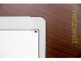 Bild: Der Display-Rand ist nun wesentlich dünner. Beim Halten des Tablets liegt daher die Hand meist auf dem Display auf.