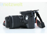 Bild: Die EOS 100D ist ähnlich kompakt wie eine Systemkamera.