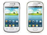 Bild: Das Galaxy Young Duos (links) neben dem Galaxy Fame (rechts).