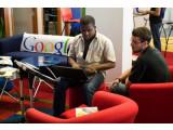 Bild: Google-Mitarbeiter in Chicago: Das Unternehmen entwickelt jetzt auch Roboter.