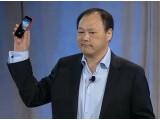 Bild: HTC-Chef Peter Chou stellte das HTC First in den USA vor.