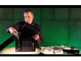 Bild: Larry Hryb im weltersten Xbox One Unboxing-Video.