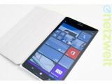 Bild: Das Lumia 1520 ist flach wie eine Flunder.