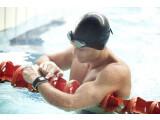 Bild: Nicht nur für Läufer, die TomTom GPS-Uhr Multi-Sport eignet sich auch für Schwimmer und Radler.