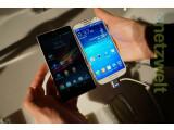 Bild: Das Sony Xperia Z (links) ist dem Samsung Galaxy S4 im ersten Vergleich knapp unterlegen.