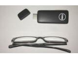 Bild: Der Stick im Vergleich mit einer Brille.