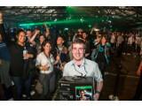 Bild: Der welterste Käufer der Xbox One.