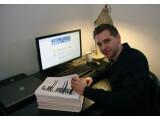 Bild: 2011 forderte Max Schrems Facebook auf alle im Netzwerk über ihn gespeicherten Daten herauszugeben. Einige Informationen blieb Facebook jedoch bis heute schuldig.