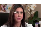 Bild: Ärzte sollen sich mithilfe von Glass mehr auf die Patienten konzentrieren können.