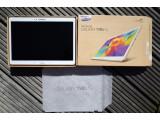 Bild: Höchst farbenfroh, aber noch ausgeschaltet: Das Samsung Galaxy Tab S mit LTE-Modem ist in der Redaktion eingetroffen.