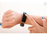 Bild: Das LG Lifeband Touch ist nicht nur ein Fitness-Tracker, sondern bietet auch Smartwatch-Funktionen.