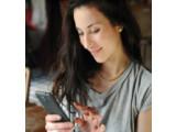 Bild: Mobilfunkkunden können bei Ihrem Anbieter oftmals günstige Zusatzleistungen in Anspruch nehmen.