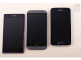 Bild: Netzwelt vergleicht für Sie das Sony Xperia Z2 (links), das HTC One (M8) (Mitte) und das Samsung Galaxy S5 (rechts).