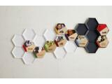 Bild: Die Qleek-Tapps lassen sich zu Wandkunst-Mosaiken zusammenstellen.