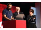 Bild: Sprachkuddelmuddel auf der Bühne: Für jemanden, der Deutsch versteht, ging die Skype Translate-Demonstration auf der Code Conference gründlich schief.