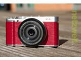 Bild: Die X-A1 ist das jüngste und günstigste Mitglied der Systemkamera-Linie von Fujifilm.
