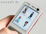 Bild: Auf dem Handy sind die Avatare nicht frei beweglich.