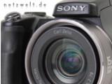 Bild: Sonys DSC-H9 tritt mit acht Megapixel Auflösung und einem 15-fach optischen Zoom an.
