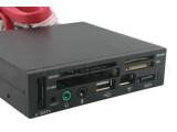Bild: Die Masse macht's: 62in1-Card-Reader von USB Fever.