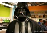 Bild: Chad Vader an seinem Arbeitplatz im Supermarkt