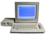 Bild: C64 mit Monitor und Diskettenlaufwerk (Foto Bill Bertram)