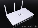 Bild: Der DIR 655 von D-Link: Die drei Antennen sollen bis zu 300 Mbit/s umsetzen können