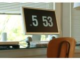 Bild: Ästhetische Vergangenheit: Fliqlo-Uhr als Screensaver. (Bild unplggd.de>